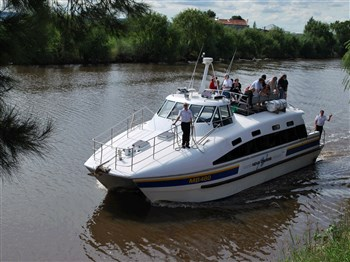 Morpeth To Newcastle Historic Cruise